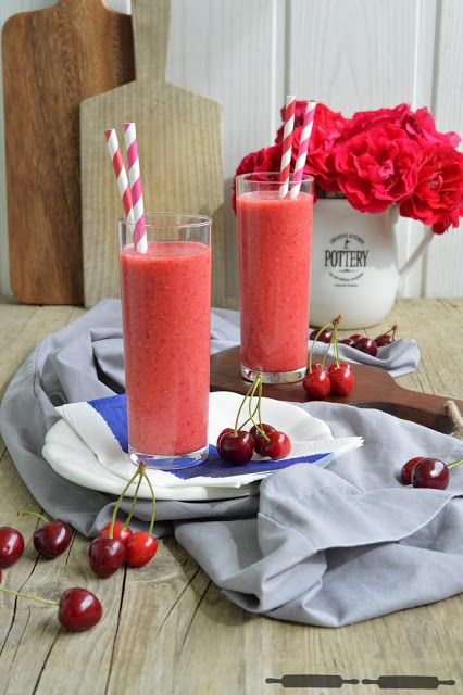 ABOUT VERENA : Very Cherry Smoothie mit Himbeeren