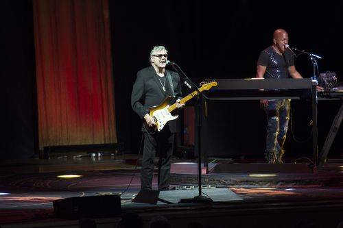 The Steve Miller Band at Ravinia Review — Keep on Rock'n Me Baby http://www.chicago-splash.com/publish/Entertainment/cat_index_chicago_performances/the-steve-miller-band-at-ravinia-review.php @RaviniaFestival @SMBofficial #RocknRoll #music