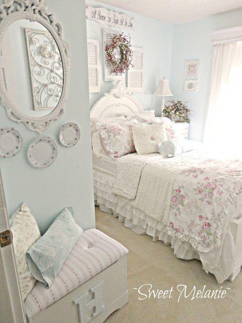 dormitorio romántico shabby chic.-