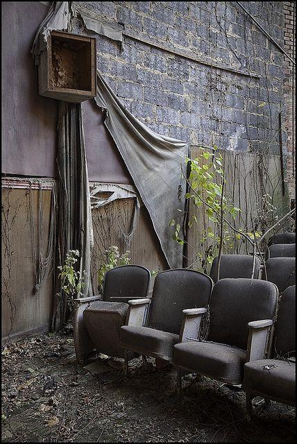 Theater.: