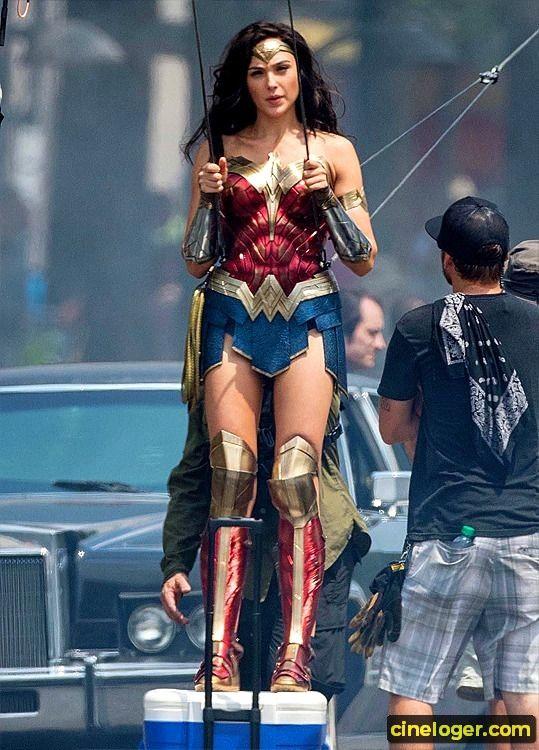 Dccomics Cinema News Art Culture Beautiful Greatmovie Model Fashion Movie Movies Mo Gal Gadot Wonder Woman Wonder Woman Cosplay Wonder Woman Movie