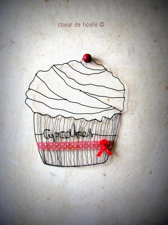 Grand cupcake en fil de fer