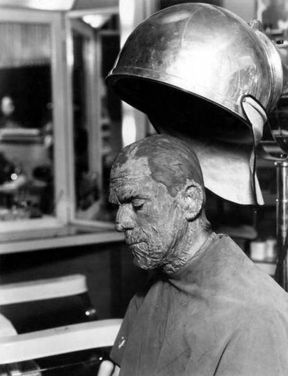 mambavantassel:  Boris-Karloff-como-Frankenstein