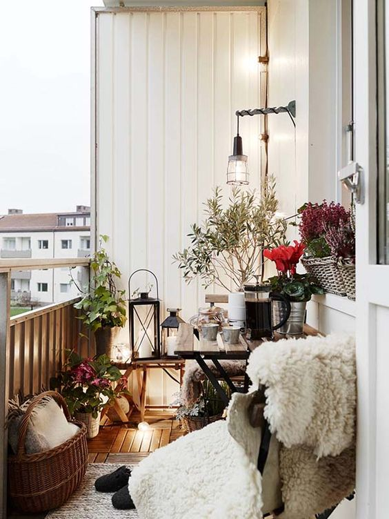 55 Super cool and breezy small balcony design ideas: