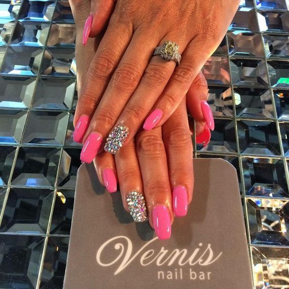 Coffin nails, pink and bling