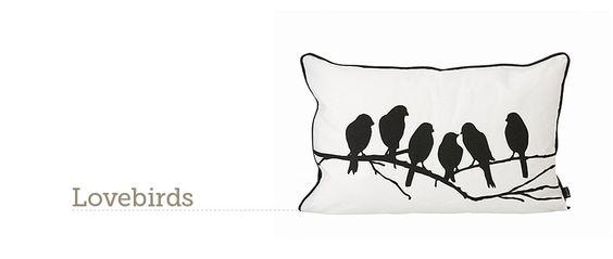 Cojín de algodón orgánico Lovebirds Cushion de ferm LIVING. Ideal para dar un poco de amor a tu hogar. #decoration, #decoracion, #fermLIVING, #cushion, #cojin, #interiorismo #estiloescandinavo #estilonordico #algodon #organicCotton.