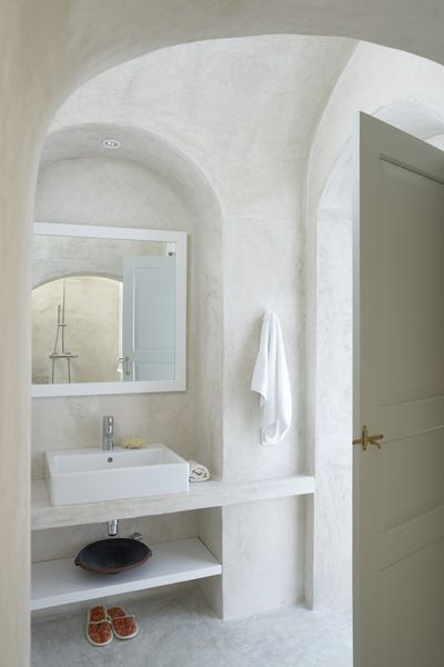 A peaceful white bathroom design at Villa Fabrica, Santorini, Greece. #design #white #bathroom
