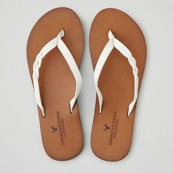 AEO Braid Leather Flip Flop (35 AUD) ❤ liked on Polyvore featuring shoes, sandals, flip flops, white, leather sandals, braided sandals, white braided sandals, woven leather sandals and woven shoes