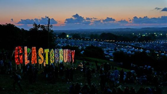 First Glastonbury tickets sell out in minutes // Read more: http://www3.iconcerts.com/en/news/first-glastonbury-tickets-sell-out-minutes