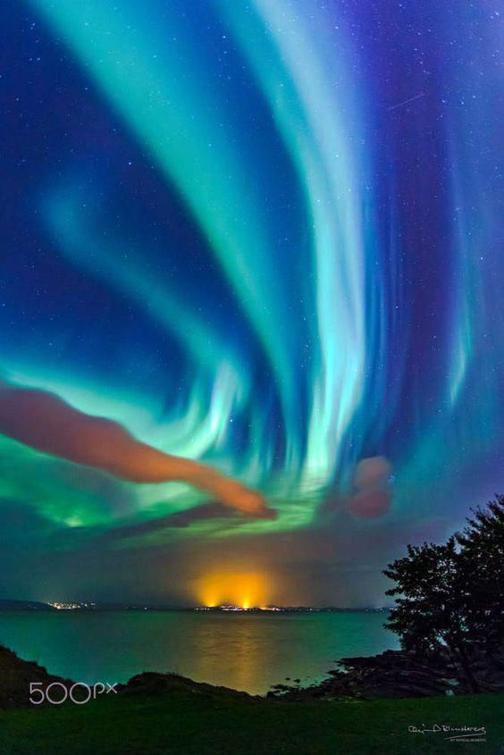 Landscape Photography With People Landscapephotography In 2020 Northern Lights Beautiful Nature Night Skies