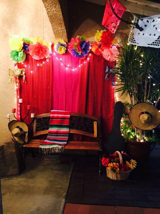 Mexican fiesta photo booth party theme ideas pinterest for Terrazas mexicanas