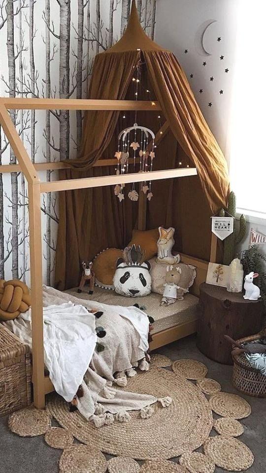 Lit Cabane Avec Guirlande Lumineuse Deco Chambre Enfant Cabane