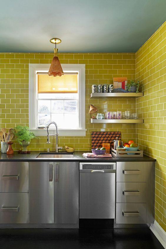 ステンレス キッチン 壁 タイル イメージ