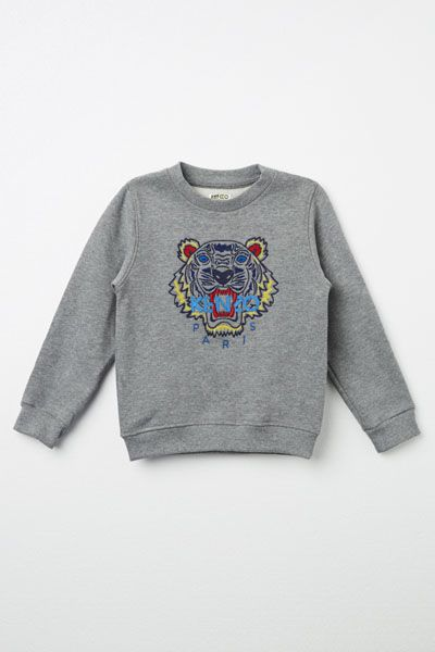 Discover our luxury Kenzo Kids collection for girls and boys including; sweaters, polo shirts, dresses and more. Explore our vast range from Kenzo Kids. Enjoy fast worldwide shipping.