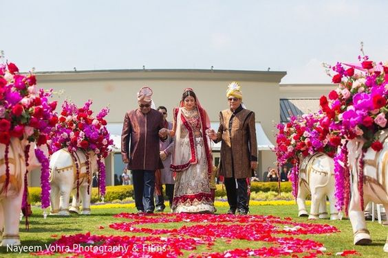 Ceremony http://www.maharaniweddings.com/gallery/photo/57750