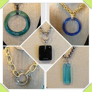 A variety of necklaces in gold and silver.:
