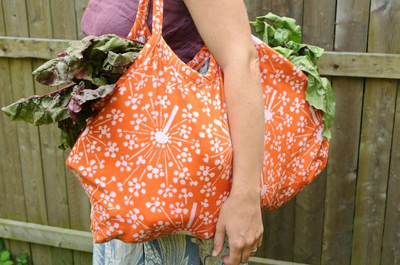 """The Farmer's Market Tote from the """"Weekend Sewing"""""""