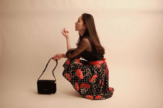 Korea feminine clothing Store [SOIR] bubble flower Skirt  / Size : Free / Price : 35.27USD #korea #fashion #style #fashionshop #soir #feminine #special #skirt #black #cute #lovely #luxury #flower