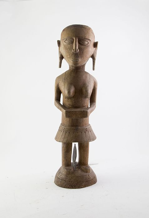 Pacific African Artefacts N Fijian Hardwood Carved Standing Female Figure 51cm Height Mad On Collections Browse And Find O Pacific Buddha Statue Antiques
