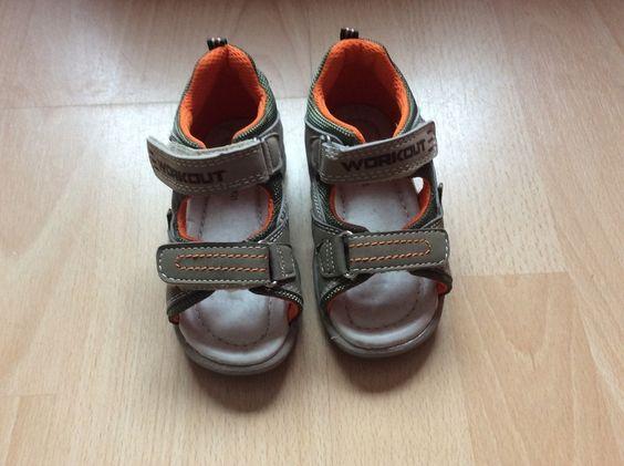 Tolle Sandalen...ganz neu und ungetragen mit Klettverschluss...so  klappt das Schuhe anziehen auch alleine