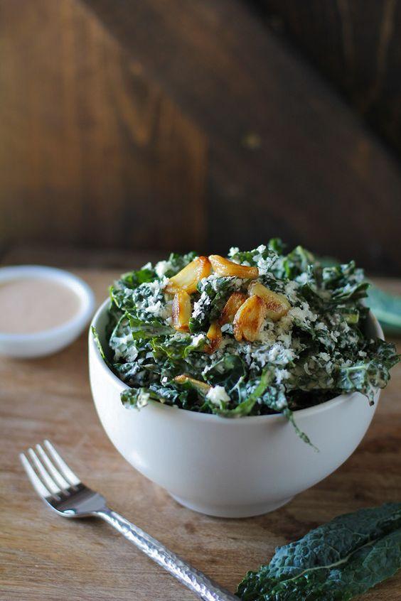 Spicy Kale Caesar Salad with Roasted Garlic #detox #letthemeatkale #recipe