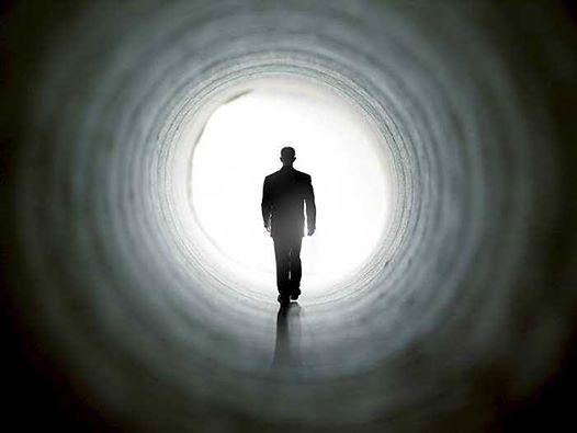 Os Fantasmas que criamos em Nós próprios! Toda a nossa vida, procuramos e criamos os nossos próprios fantasmas. Com isso criamos para nós, muitos medos internos e amarramo-nos às nossas próprias ilusões. Tudo porque ainda acreditamos que o mundo invisível nos pode prejudicar, enquanto que nós mesmos é que nos prejudicamos com nossos pensamentos negativos e sentimentos que nos podem até levar a adoecer. Continue a ler em: https://www.facebook.com/gracaetoluis