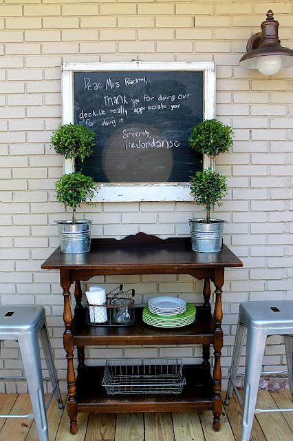 Accessorize and Organize: Fabulous Find great bar and chalkboard