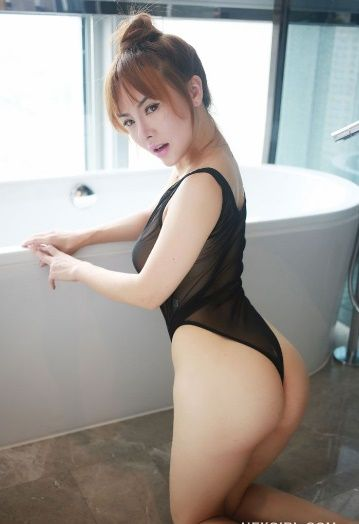 Young Model Jiaojia's White Skin as Sexy as Hell - Sexy Chives