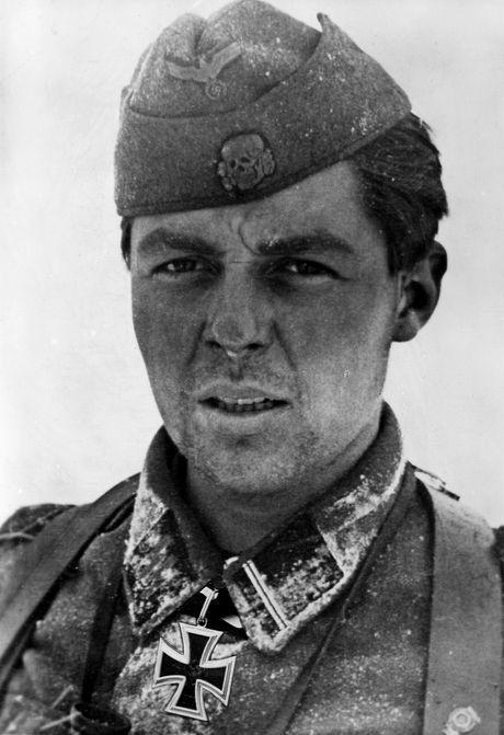 """✠ Gerardus Mooyman (23 September 1923 – 21 June 1987) RK 20.02.1943 SS-Sturmmann Geschützführer i. d. 14.(Pz.Jäg)/SS-Frw-Legion """"Nederland"""" 23. SS-Freiwilligen-Panzergrenadier – Division """"Nederland"""" (niederl. Nr.1)"""