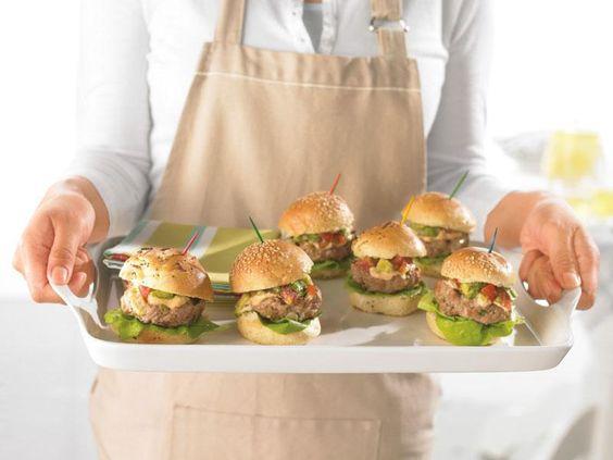 Petits burgers de dindon avec mayo-chipotle et relish à l'avocat