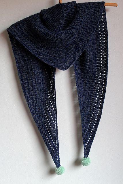 MES FAVORIS TRICOT-CROCHET: Modèle gratuit : Un châle ajouré au tricot