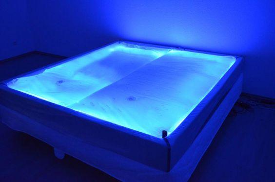 Wasserbett durchsichtig  Transparent Waterbed Traumreiter Durchsichtiges Wasserbett ...