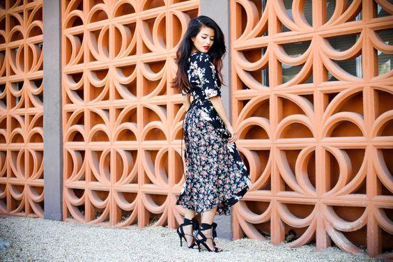 Pleats, corsets and floral prints: Vintage Dresses, Floraldress Floral, Street Style, Style Outfits, Floral Dresses