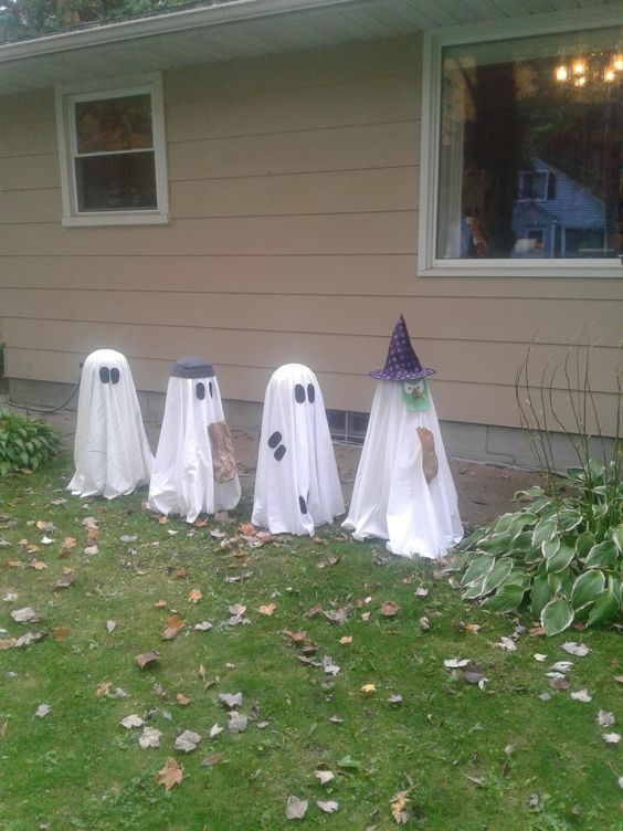 80 Diy Outdoor Halloween Decorations Ideas To Cast A Spooky Spell
