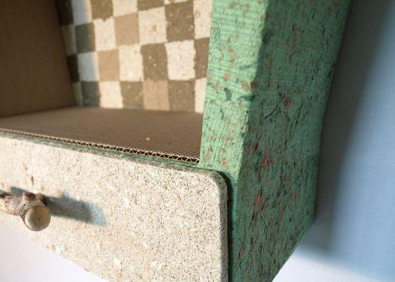détail étagère, meuble en carton, papier fait maison carton et - tour a bois fait maison