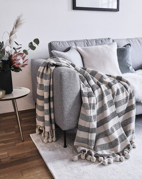 Time To Relax Auf Diesem Gemutlichen Sofa Entspannen Wir Nach