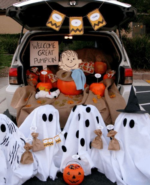 Trunk Or Treat Ideas For Pickup Trucks : trunk, treat, ideas, pickup, trucks, Friendly, Trunk, Treat, Ideas, Cars,, SUVs,, Trucks, #trunkortreatideasforcarsfor…, Treat,, Charlie, Brown, Halloween,, Halloween, Decorations