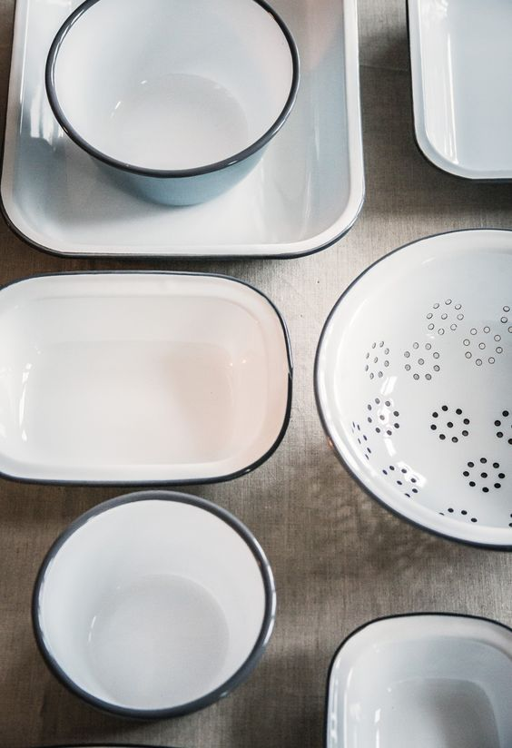 Giveaway: Falcon Enamelware – THREE winners can get their hands on a set of their choice from now until December 12, 2014 by entering on decor8 #12daysofgiveaways