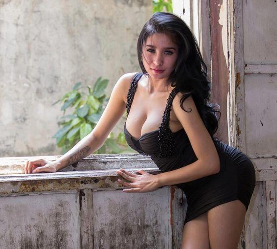 http://www.deviantart.com/art/Bibie-Julius-musa-sinta-kira-cantik-tampan-cewek-2-492673290