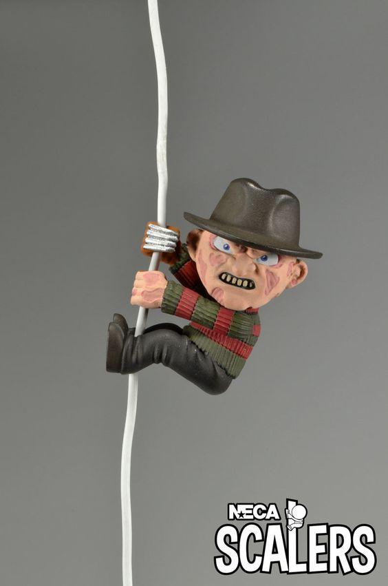 Figura Freddy Krueger Scalers NECA, 5cm Pesadilla en Elm Street Nueva colección de figuras Scalers, de 5cm de altura, creadas por NECA, con los personajes más famosos de la ficción.