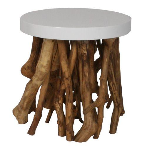 Zuiver Bijzettafel Cumi  Het houten onderstel van takken wordt afgemaakt met een dik wit