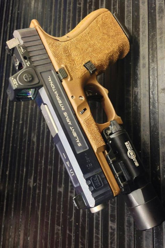 Salient Arms - Glock 19 Gen4 // I will admit, on this one, it's mostly about the looks. I love the dark earth grip  ;)