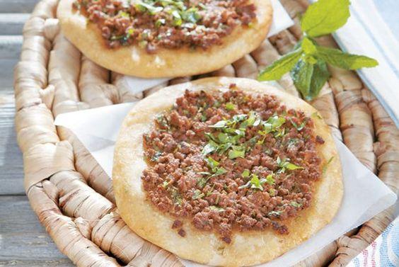 """Lahmajoun - An Eastern Mediteranean """"pizza"""""""