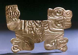 Orfebrería Chavin Utilizaron el oro, con el que elaboraron grandes obras, como el collar de Kunturwasi y el tesoro de Chongoyape (aretes, sortijas, narigueras).