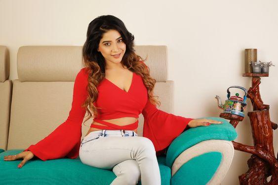 Actress Sakshi Agarwal Photoshoot – 2018