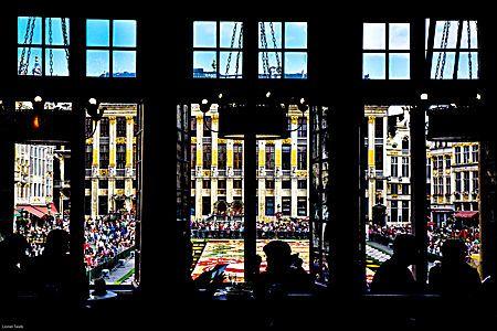 Vue sur le tapis de fleurs de la Grand-Place