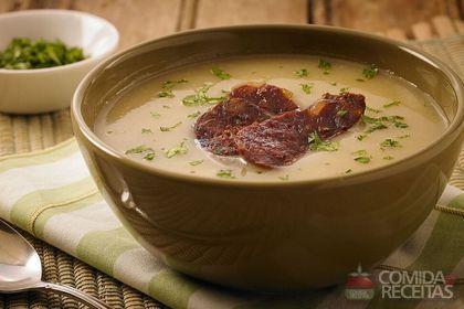 Receita de Sopa creme de mandioquinha especial em receitas de sopas e caldos, veja essa e outras receitas aqui!