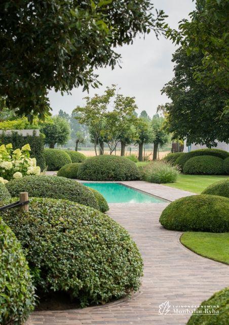 Aangelegde tuinen door tuinonderneming monbaliu romantische living tuin met strak biopool - Hoe aangelegde tuin ...