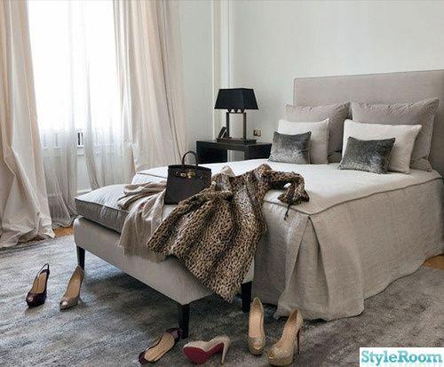 Sovrum sovrum inspiration : grått,elegant,päls,pälspläd,inredning,inspiration,grå matta ...