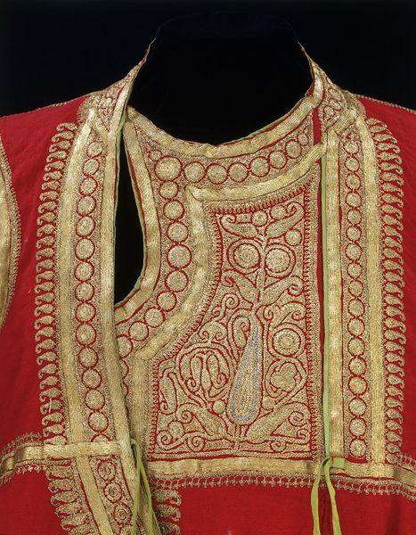 Роб. |  V & A Търсене на колекцииRobe Място на произход: Лахор, Пакистан (вероятно направени) Кашмир, Индия (евентуално направени)